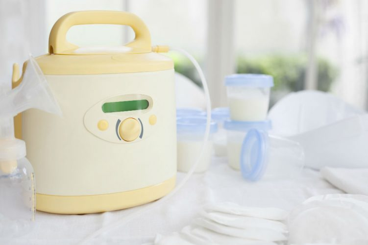 How to Sterilize a Breast Pump with Boiling Water 1
